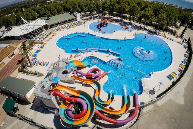 The aquatic park of the Càmping Las Dunas campsite (Sant Pere Pescador)