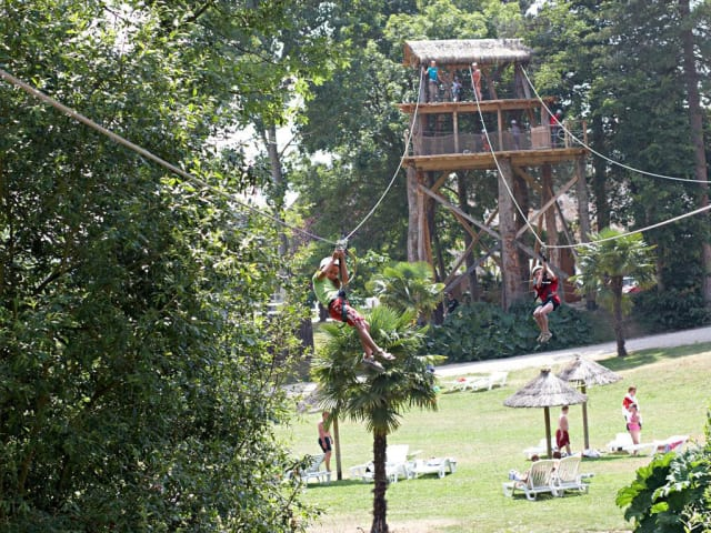High ropes course, giant zip-line, water skiing, the most spectacular attractions on campsites