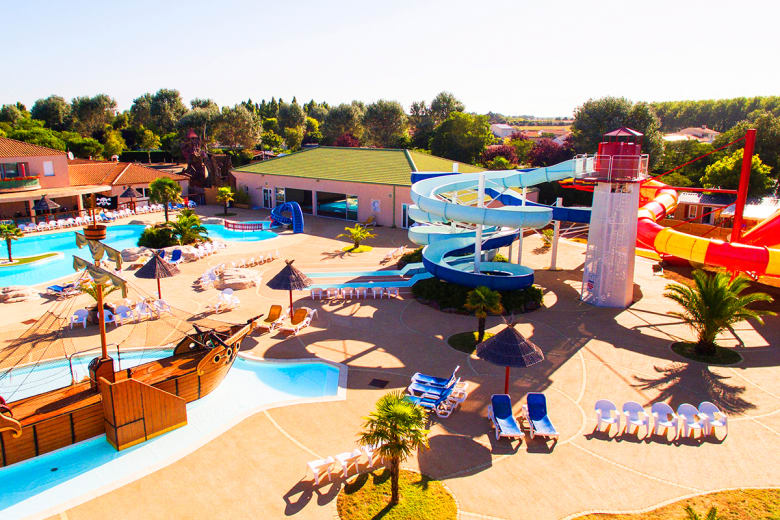 camping luxe les dauphins bleus