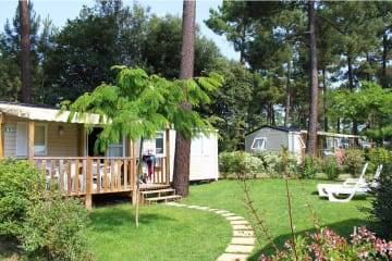 GRAND FAMILY ESPACE PRIVILEGE 3 chambres avec terrasse en bois semi couverte - Palmyre Loisirs