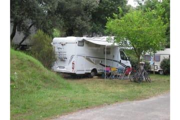 Emplacement 1 véhicule + electricité (pour tentes , caravane/camping-car) - Palmyre Loisirs