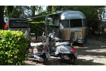 Emplacement Grand Confort Grande Tente, Caravane ou Van - Les Cent Chênes