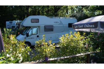 Emplacement Camping Car - Les Cent Chênes