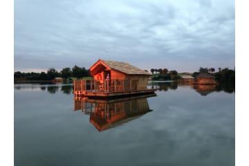 Cabane flottante Alize (2 adultes + 3 enfants) - 40 m² / 1 chambre - Village Flottant de Pressac