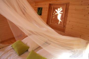 Cabane flottante Le Gourami (2 adultes + 3 enfants) - 40m² / 1 chambre - Village Flottant de Pressac