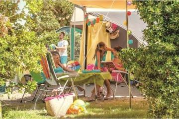 Forfait ** - Emplacement, 1 installation, 1 véhicule et électricité - Les Méditerranées - Beach Garden