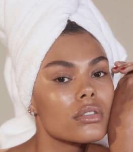 3 Acids Essential to a Skin Regime