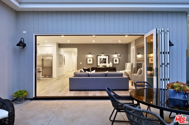 3621 Barry Ave preview