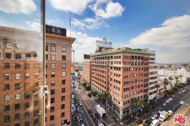 6253 Hollywood Boulevard, Unit 502 photo