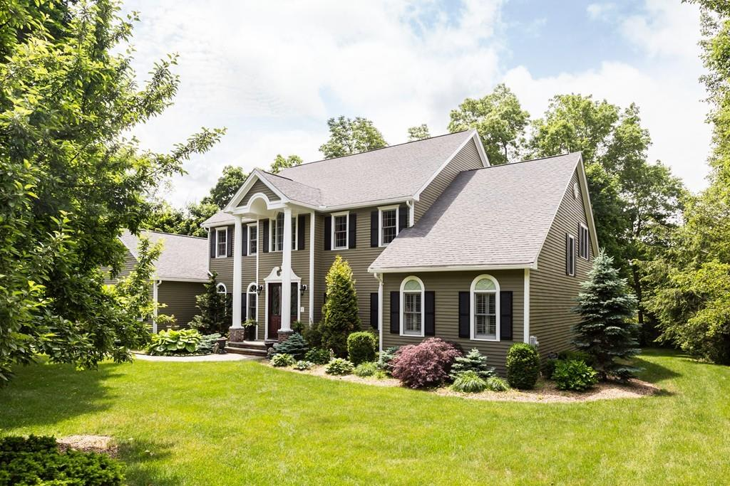 4 Whispering Lane, Natick