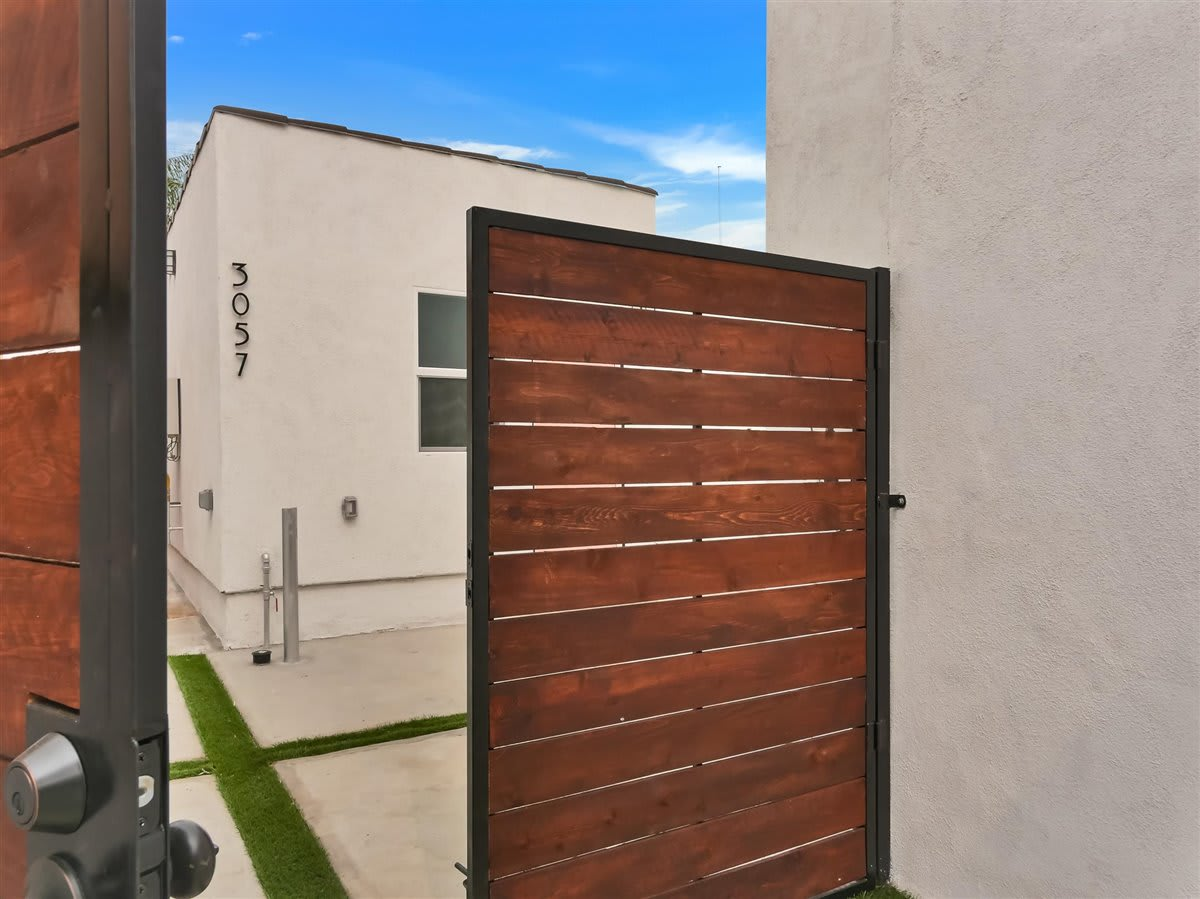3057 Vineyard Ave photo