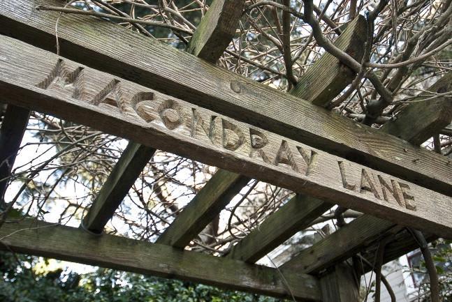 44 Macondray Ln