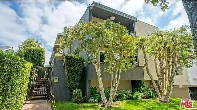 1312 Centinela Ave, #205 preview