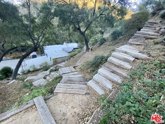 1125 Old Topanga Canyon Rd photo
