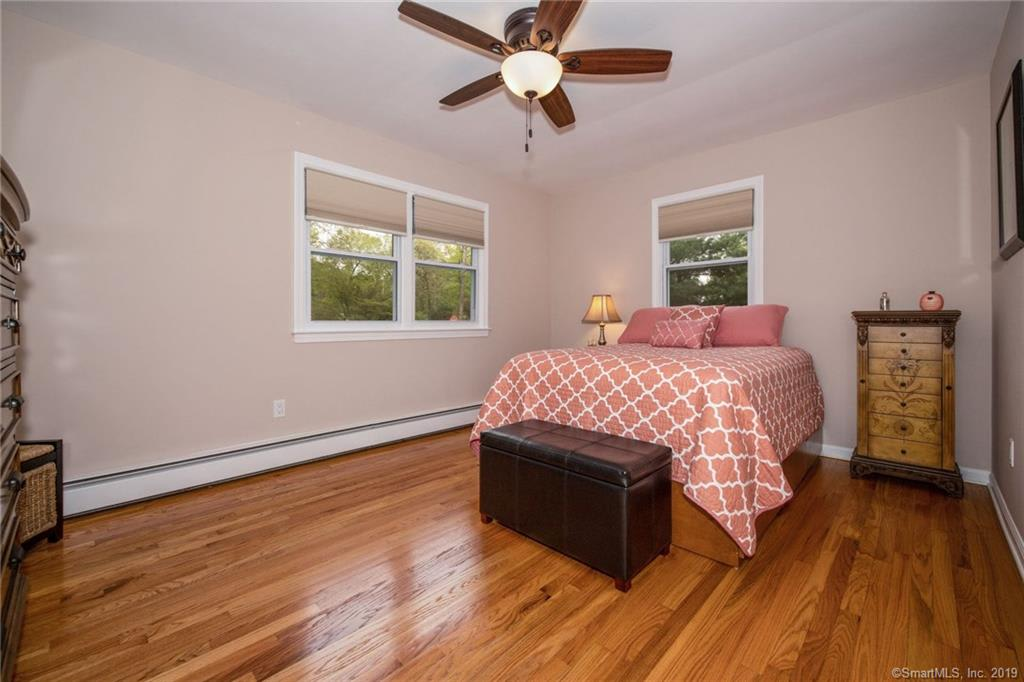 33 Greenbrier Road photo