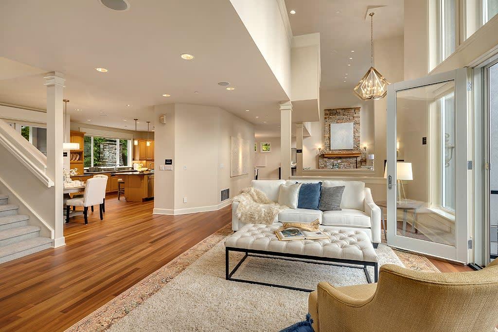 Elegant Westside Estate photo
