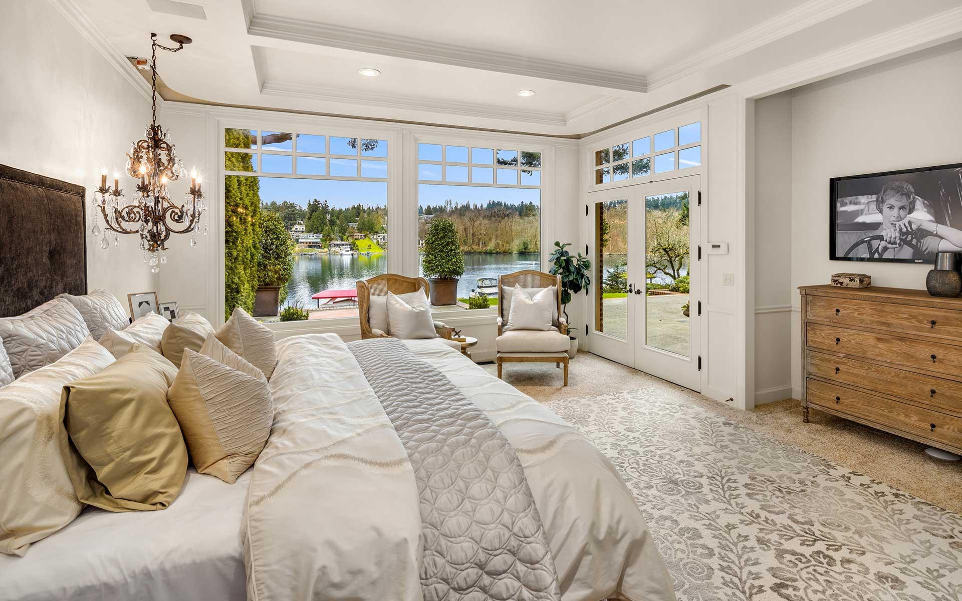 Santa Barbara Style on Hunts Point photo