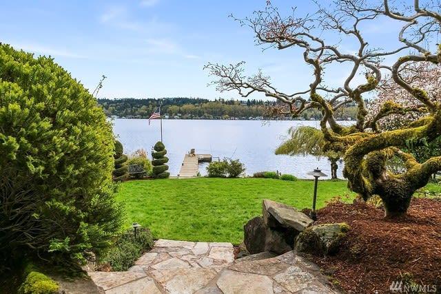 Lakeside Living photo