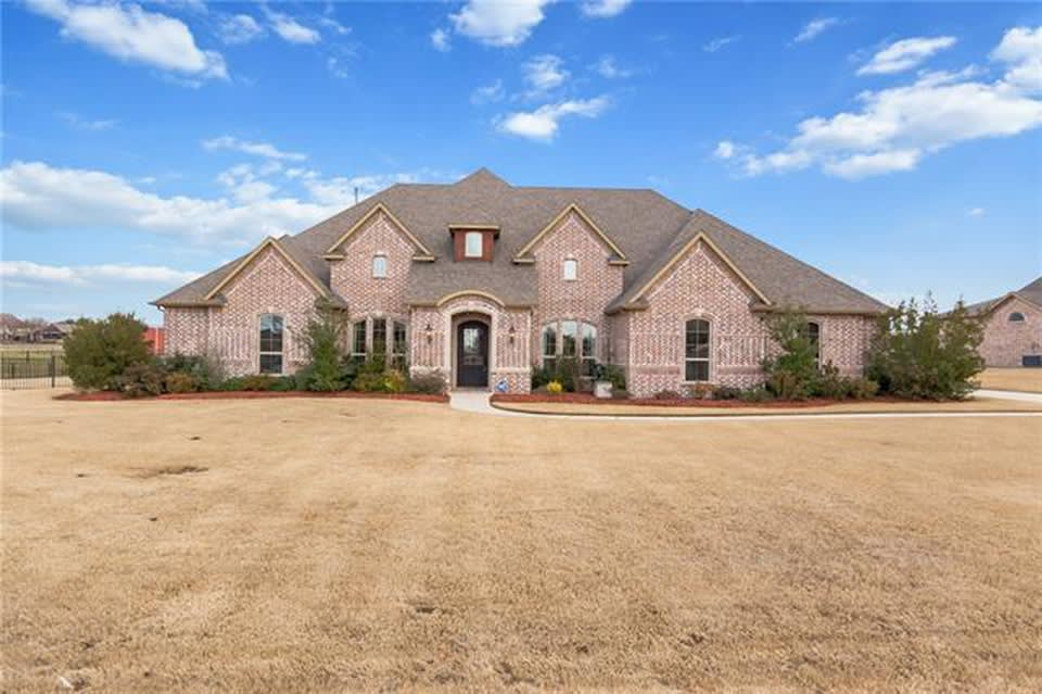 3004 Twin Lakes Dr photo
