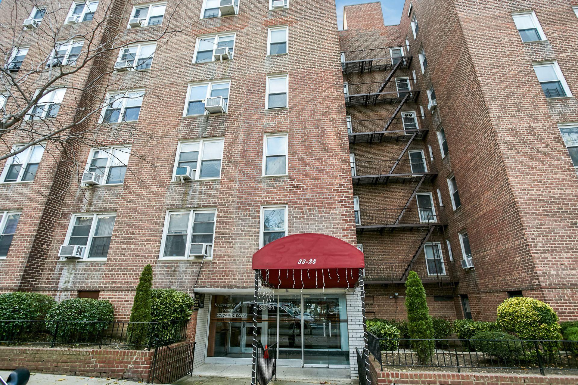 33-24 93rd Street, Unit 3L photo