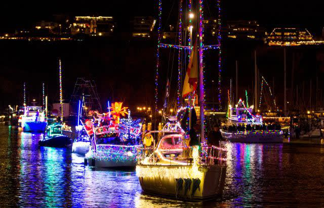 Four Ways to Entertain Your Friends and Family This Holiday Season in Naples