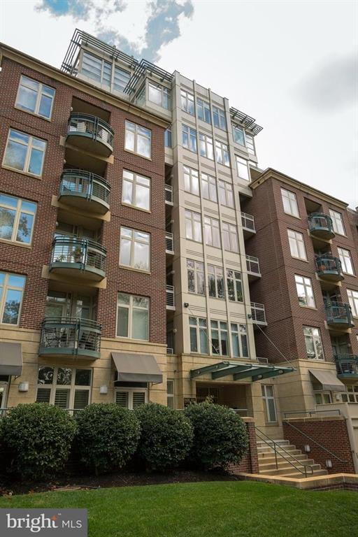 4025 Connecticut Ave NW, #204 photo
