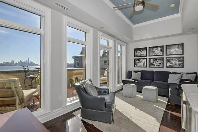 9 Henley Pl preview