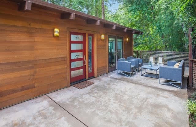 491 Redwood Ave photo