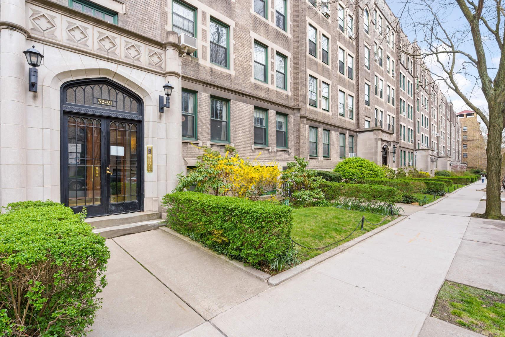 35-21 80th Street, Unit 32 photo