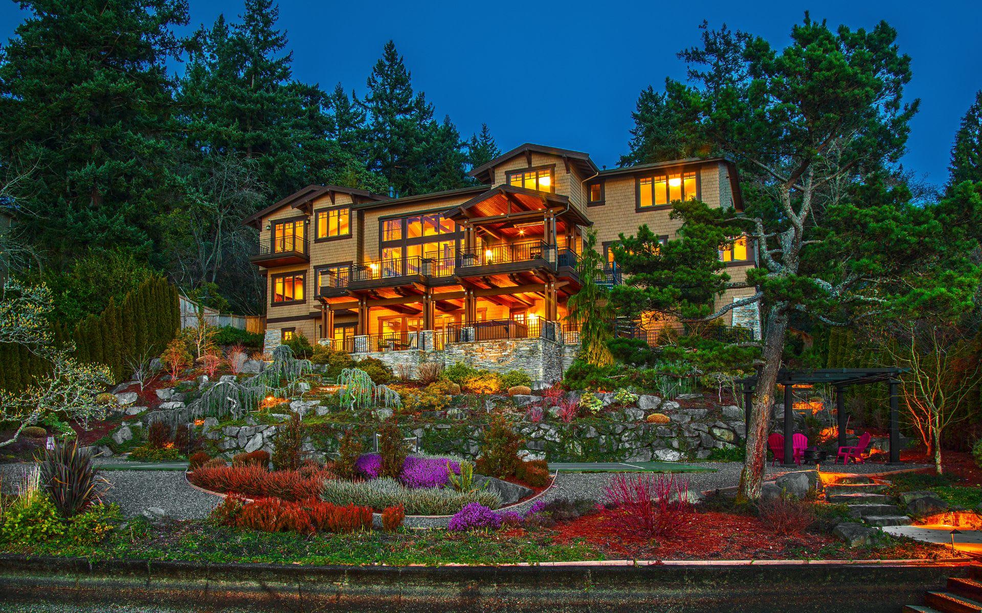 Stunning Northwest Craftsman photo