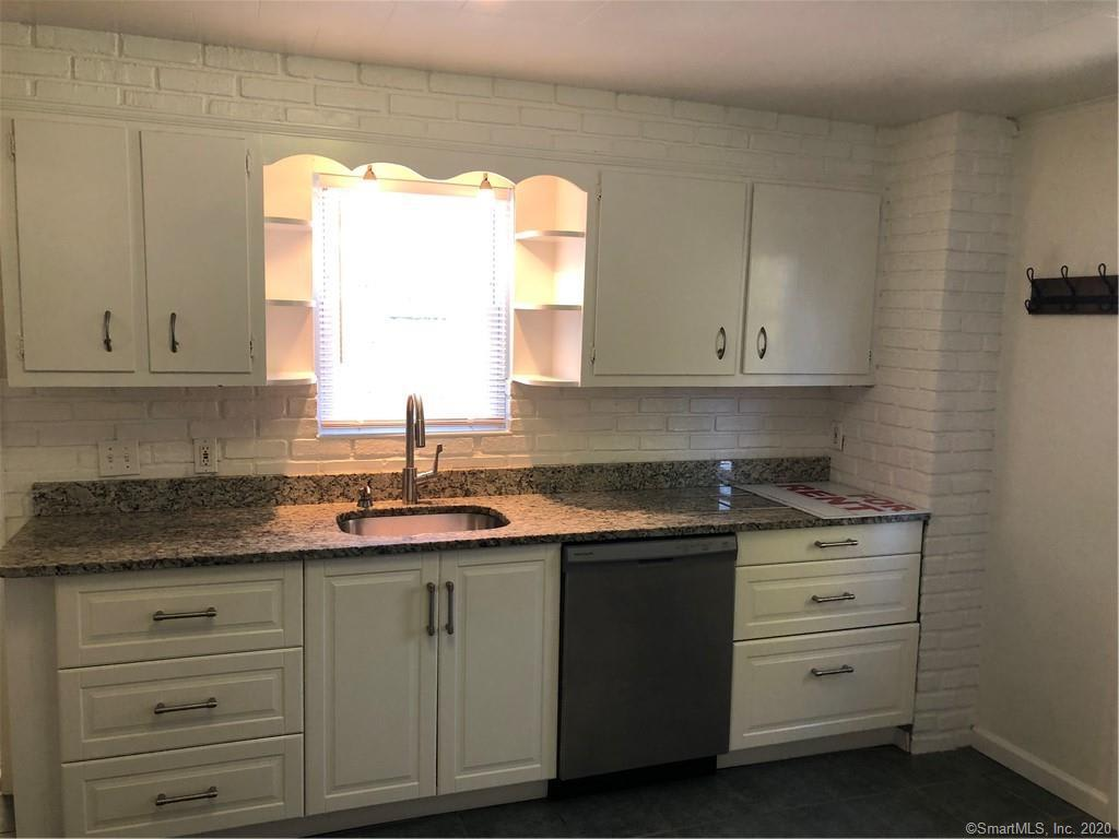 81 Soundview Ave, #1 photo