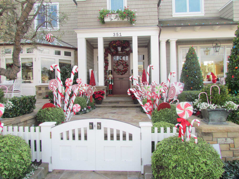 Balboa Island Holiday Home Tour: Everything You Need to Know