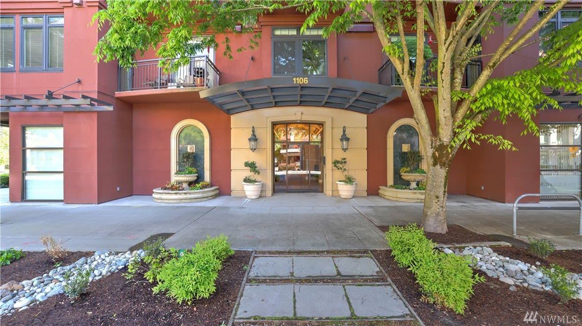 Bellevue Luxury Condo photo