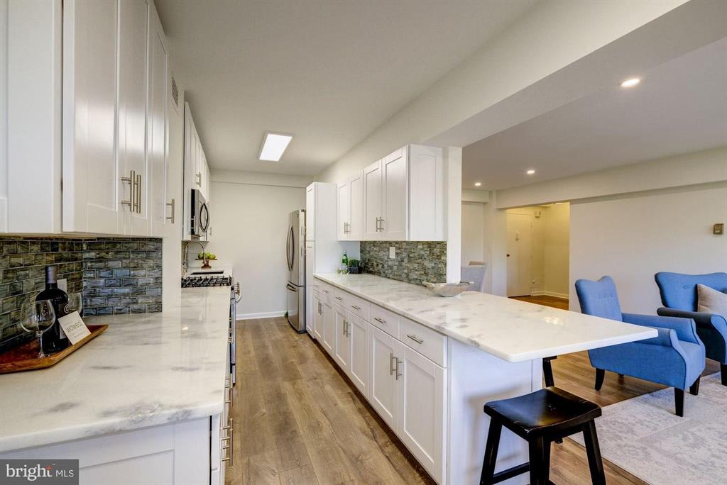 4201 Cathedral Ave NW, #1103W photo
