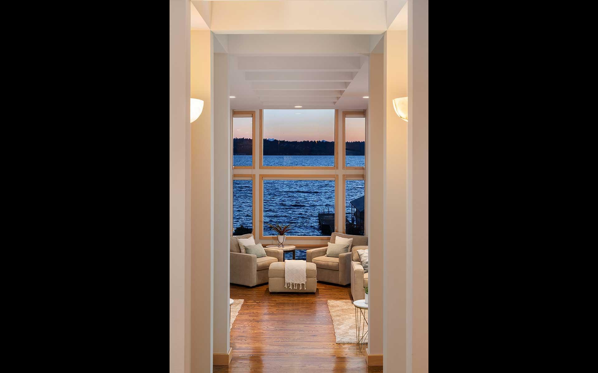 Luxe Lakeside Living in Kirkland photo
