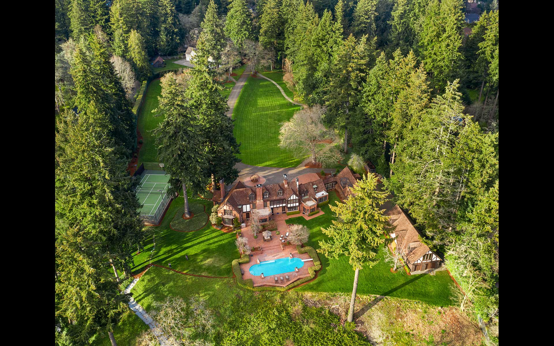 Welcome Acres Estate on Gravelly Lake photo