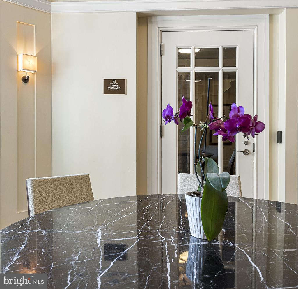 Residence 1306 at 10 Rittenhouse  photo