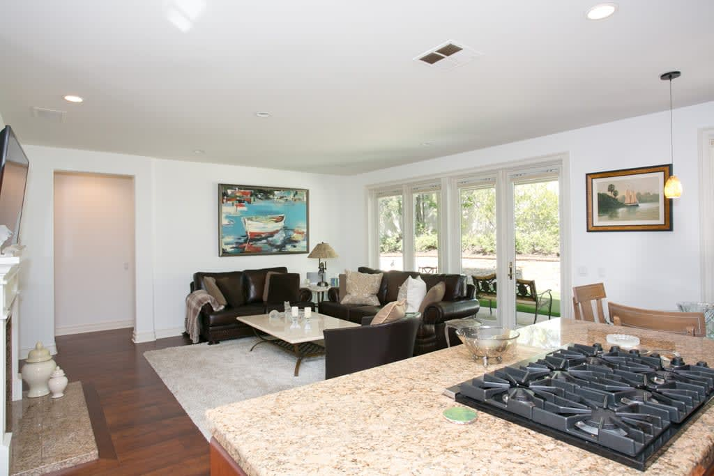 12 Turnberry Dr photo