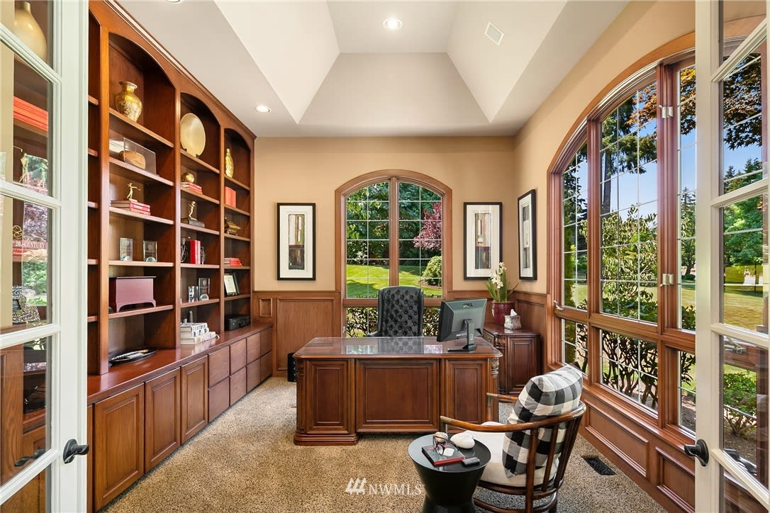Estate home in Lake of the Woods photo