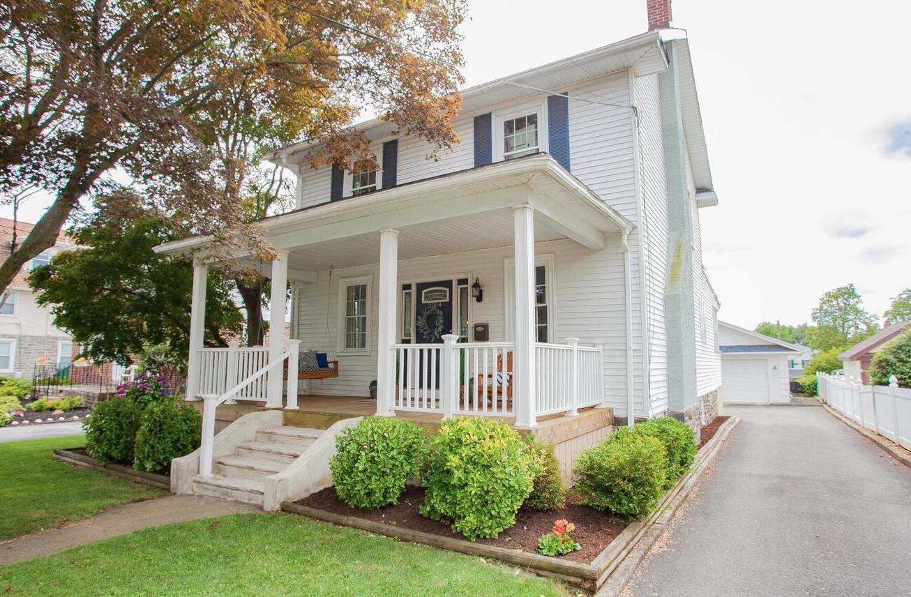2104 Oakmont Ave photo