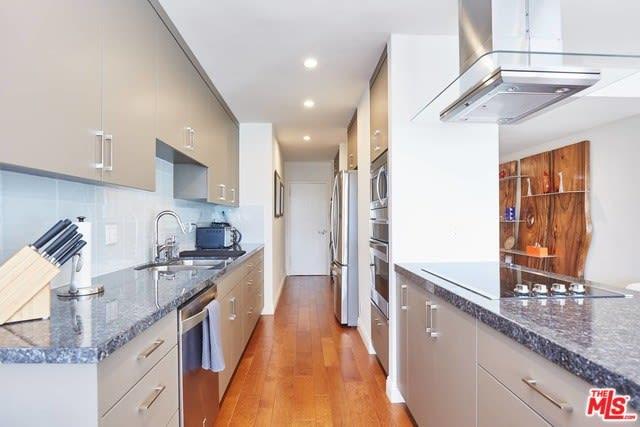 875 Comstock Avenue, Unit 2B photo