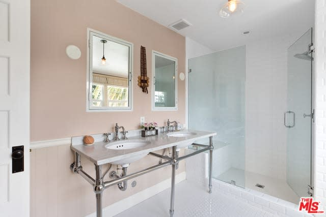 1918 Canyon Dr preview