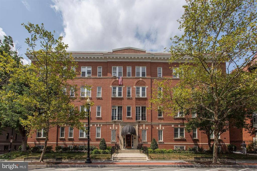 1526 17th St NW, #209 photo