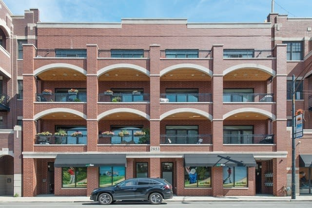 2853 N Halsted St #303 photo