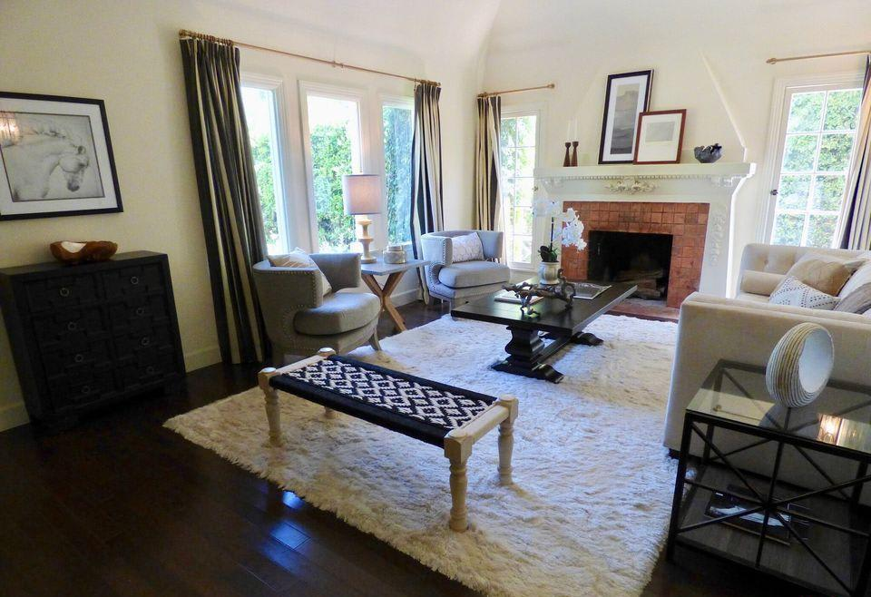 241 N Plymouth Blvd preview