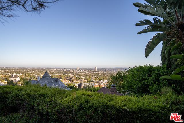 8266 Hollywood Blvd photo