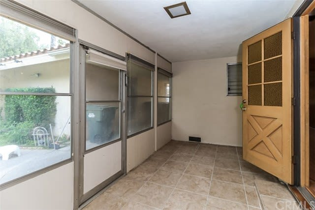 654 S Vecino Dr preview