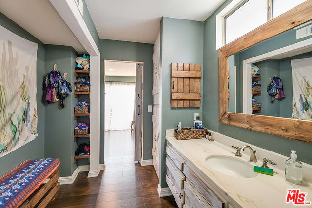 11610 Moorpark St, #3 preview