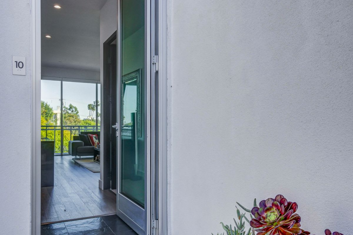 1345 Havenhurst Drive | Penthouse #10 photo