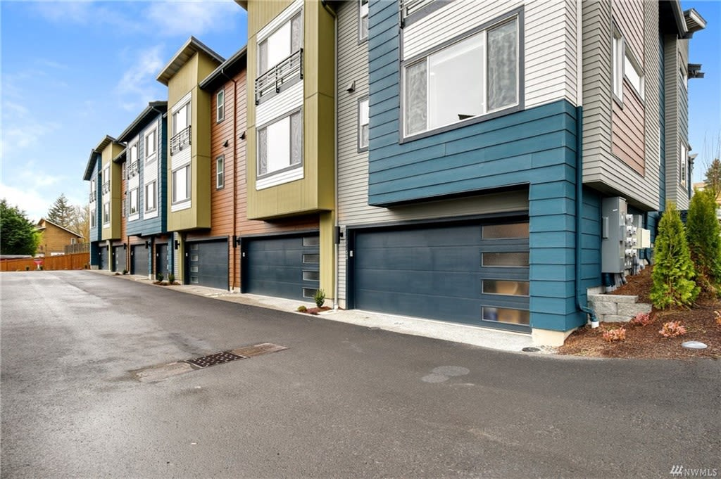 13153 83rd Ln S, Seattle, WA 98178 photo